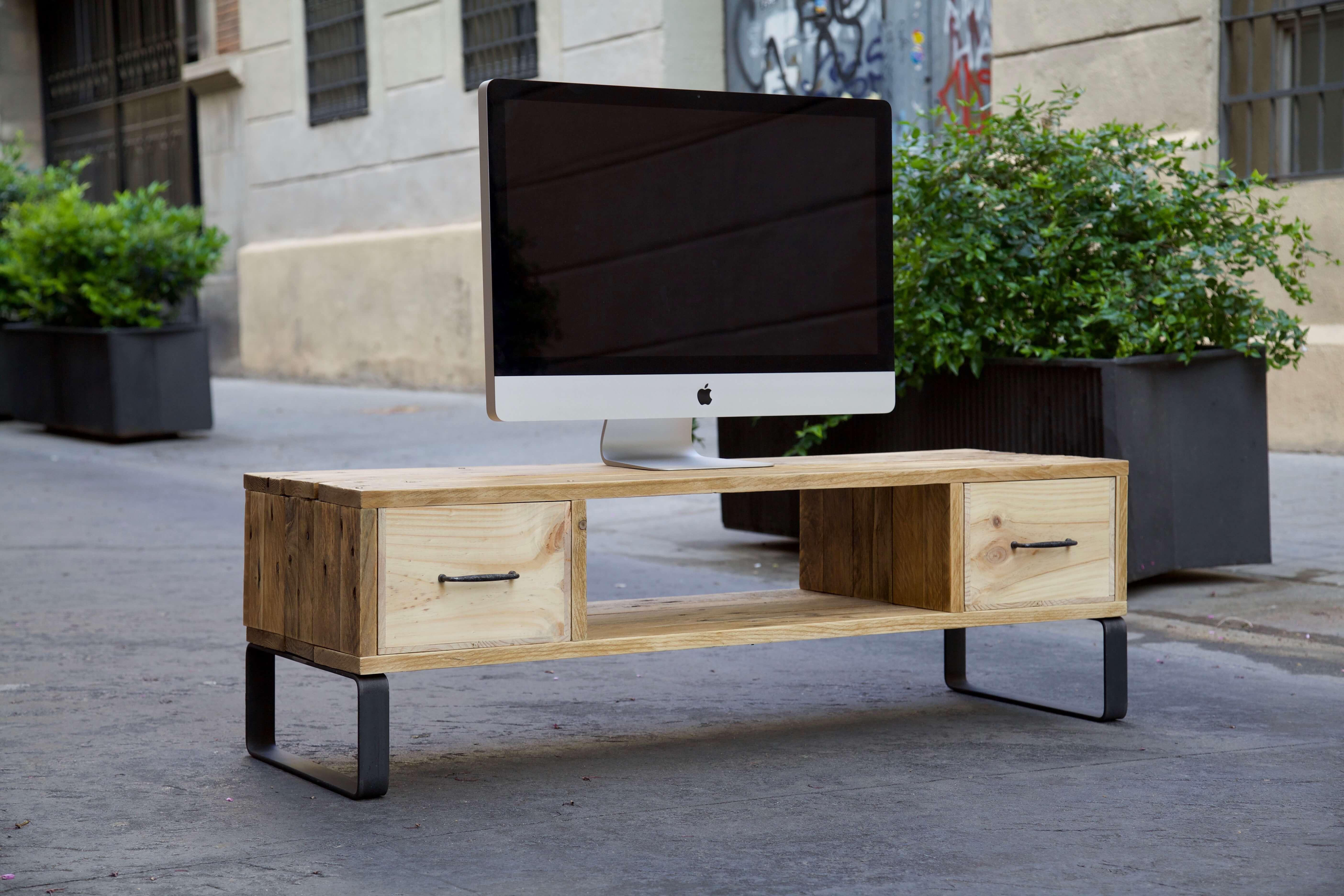 Decorar terraza con palets good perfect top plataforma for Como hacer un mueble para tv