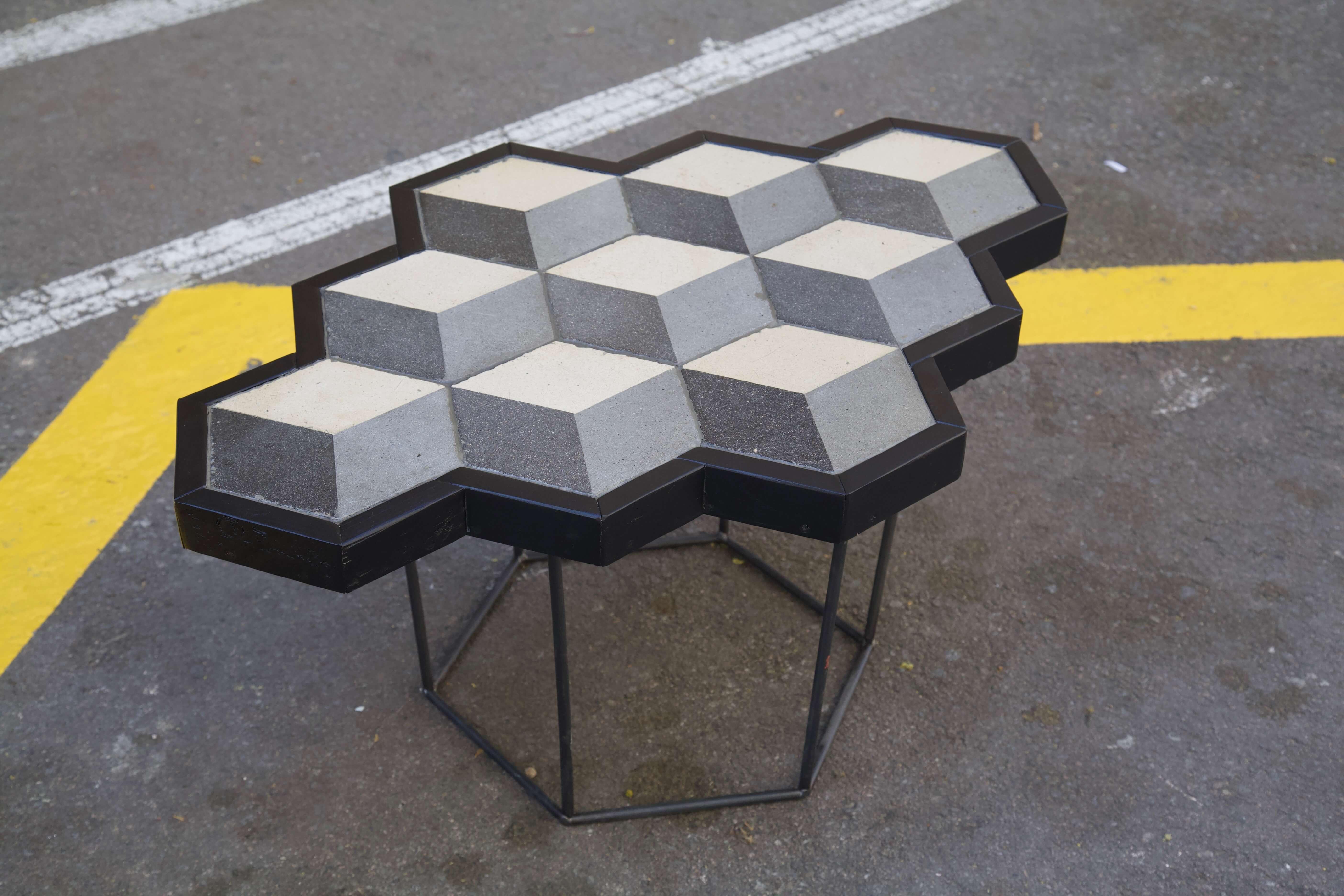 detalle superior derecha mesa hecha con racholas