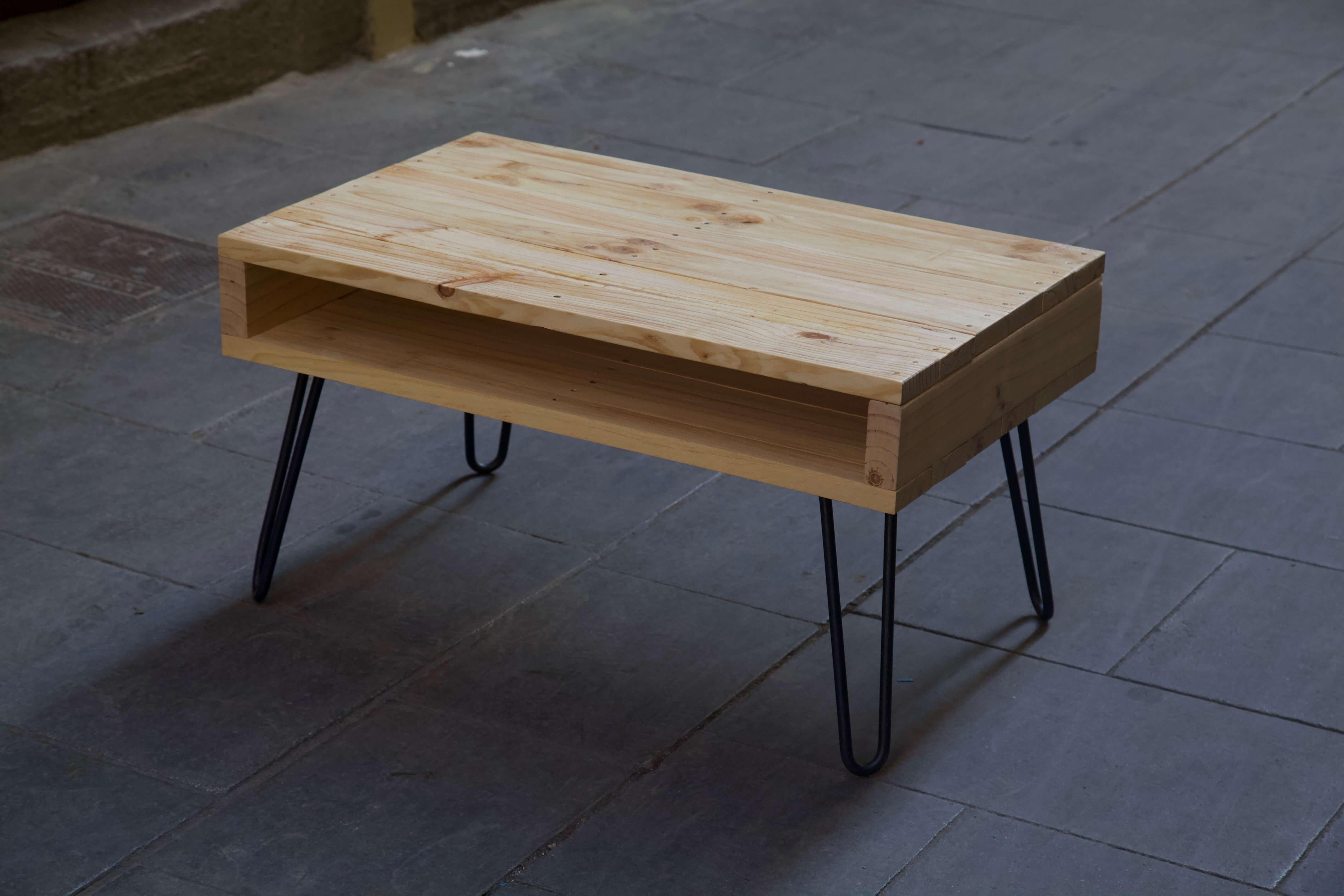 detalle superior derecha de la mesa hecha con palets lexa