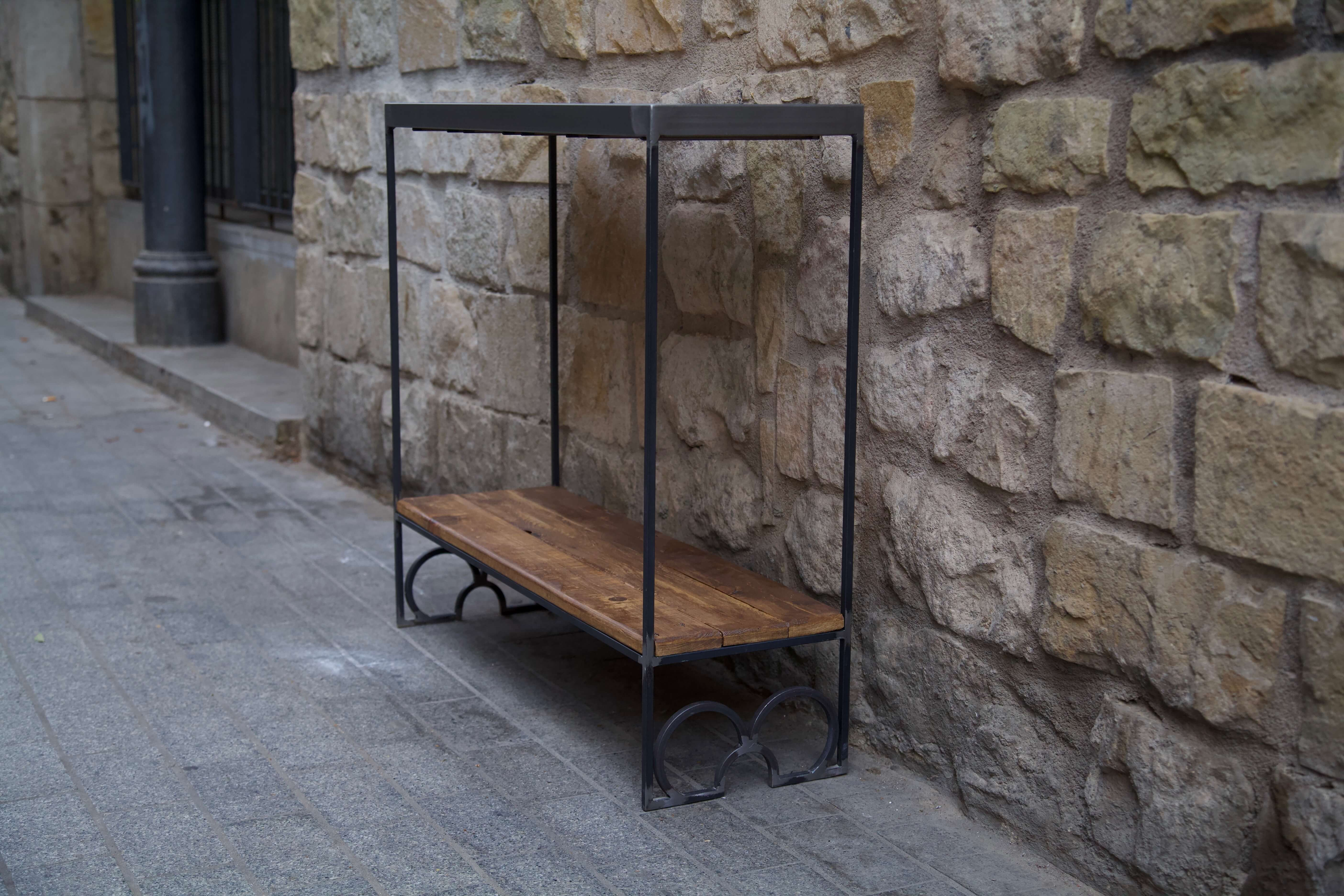 lateral horizontal inferior del recibidor con panots flor de barcelona